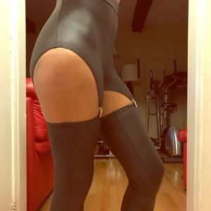 Sexy black strap leggings